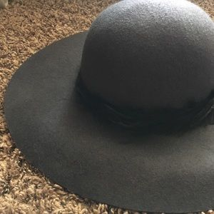 Accessories - Charcoal Gray Felt Floppy Hat